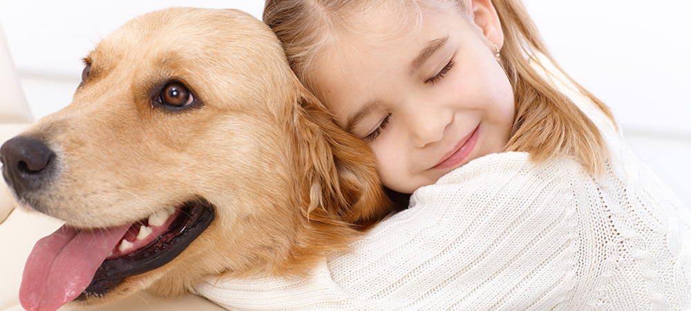 Cuddling-With-Your-Canine-to-relax