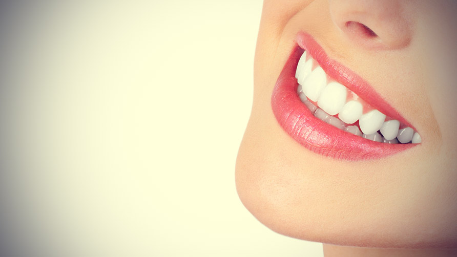 Natural-ways-whiten-teeth