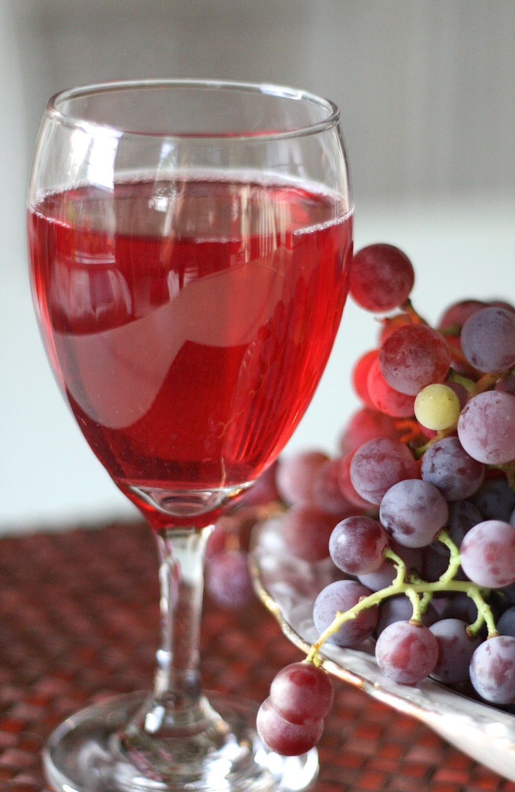 Red Grape Juice Do Have Benefits That Will Surprise You It Did To Me Yes Vegetarian
